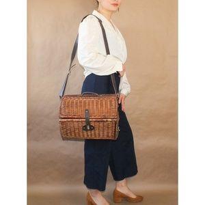 vtg wicker picnic basket wine cross body satchel